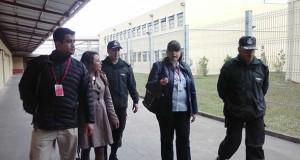 Funcionarios de la Seremi de Salud Los Lagos en la cárcel Alto Bonito de Puerto Montt