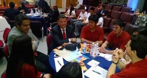 El equipo ganador de Castro junto al abogado Jorge Martel y el senador Rabindranath Quinteros